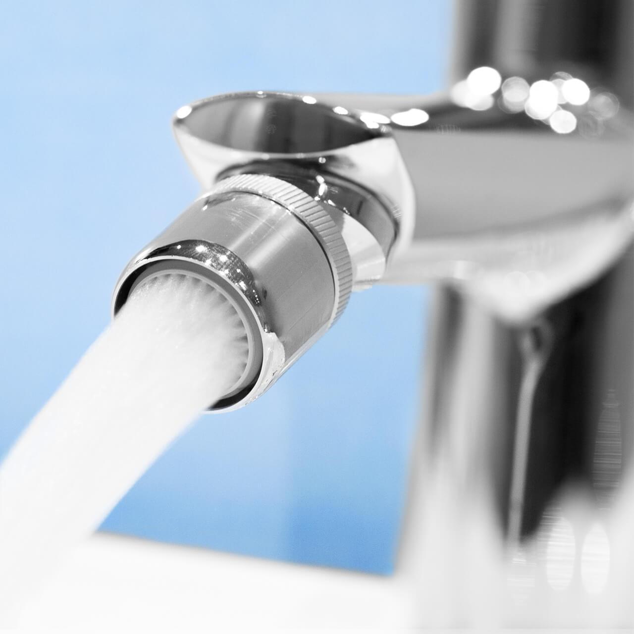 Aeratore per rubinetto con snodo EcoVand 4 l/min  - Filettatura
